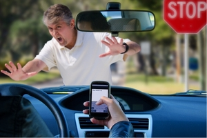 Distracted-driving-isnt-just-a-problem-among-teens